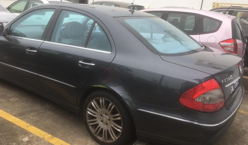 Mercedes Benz E230/Black/2008 full